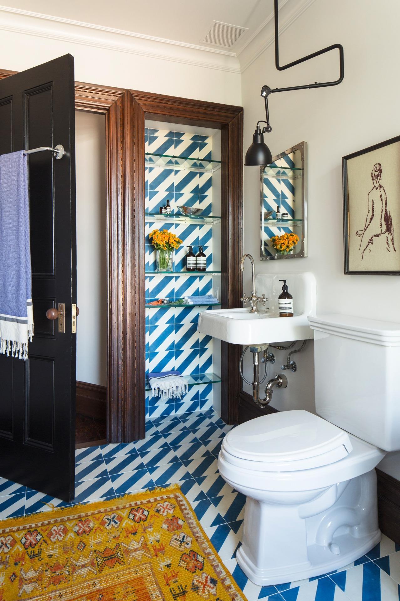 The Nordroom - 25 Inspiring Bathrooms With Geometric Tiles  image: Elizabeth Roberts