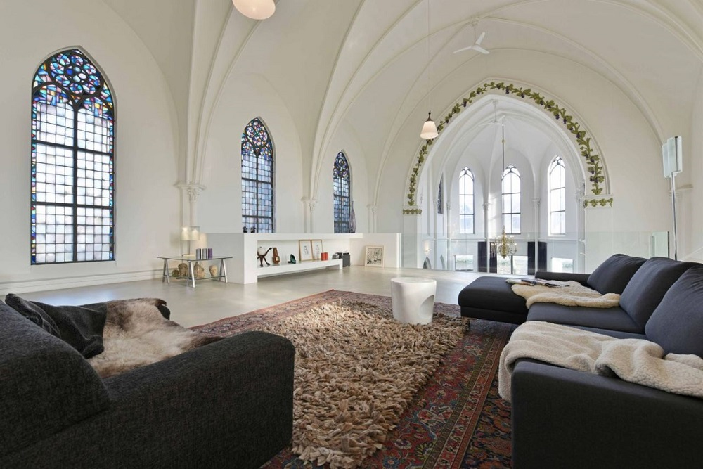 The Nordroom - 15 Heavenly Church Conversions (St. Jakobskerk Utrecht)