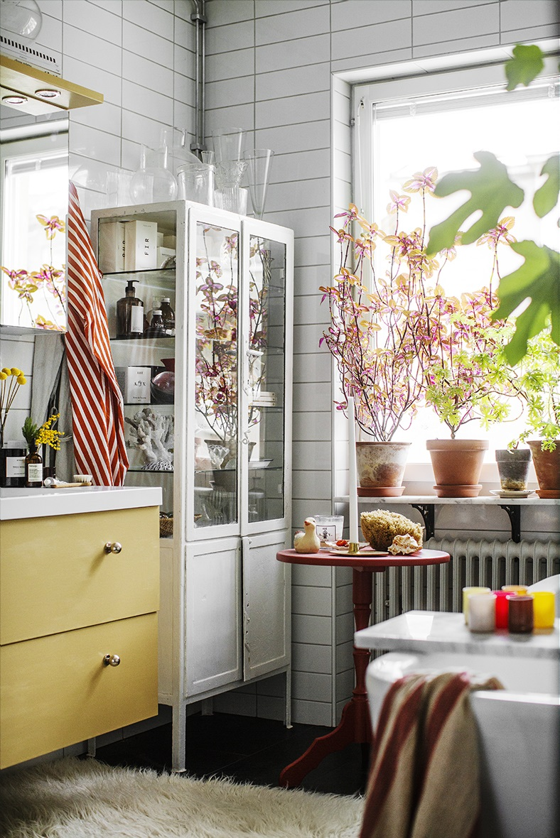 The Nordroom - A Colorful Tiny Home Filled With Plants and Art