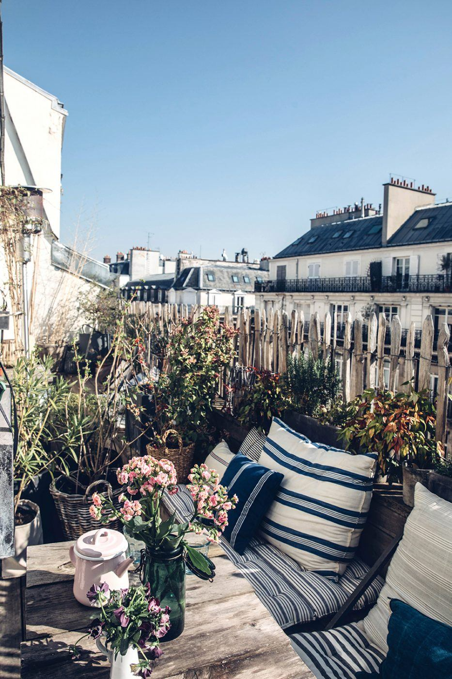 The Nordroom - A Serene Apartment With A Perfect View Over Paris
