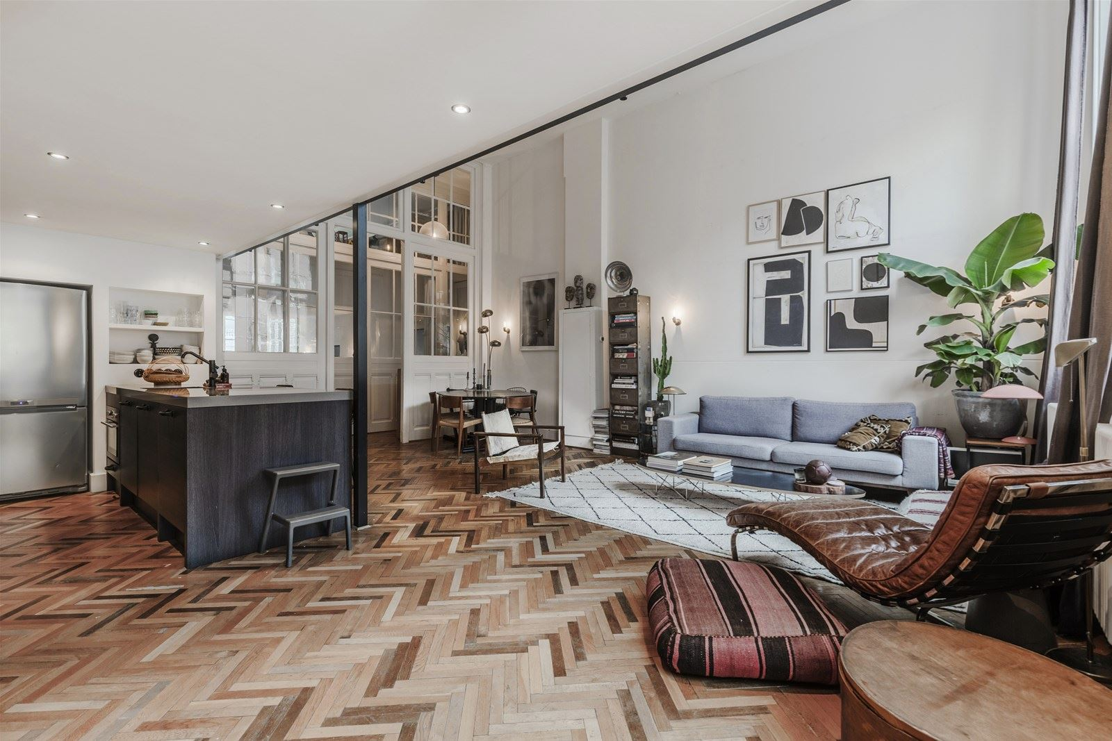 The Nordroom - Industrial Loft Apartment on a Canal Street in Amsterdam