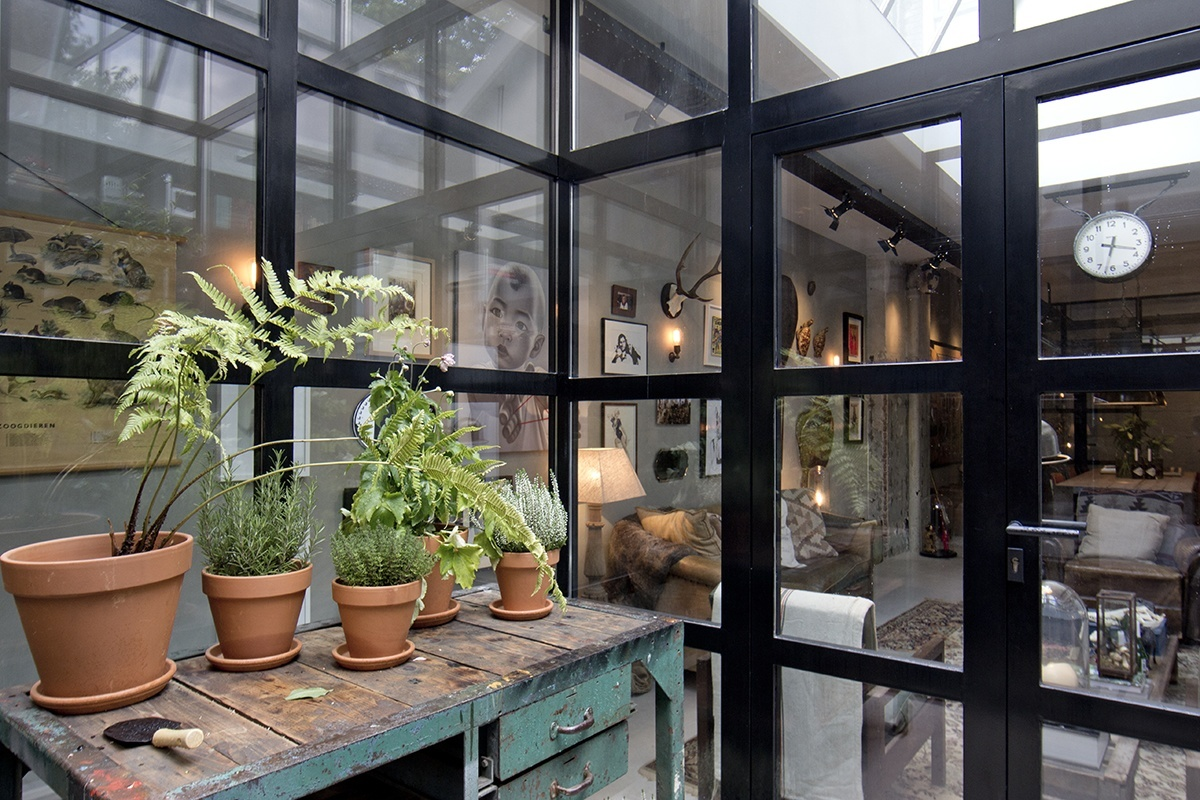 The Nordroom - An Industrial Garage Conversion in Amsterdam