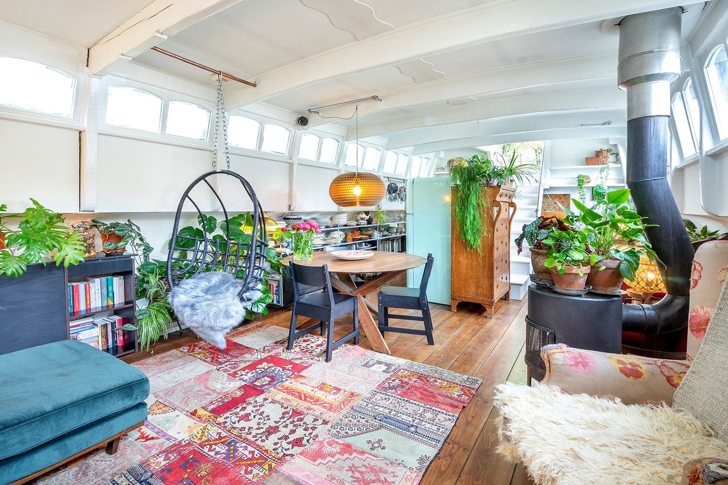 The Nordroom - A Bohemian Houseboat in Amsterdam