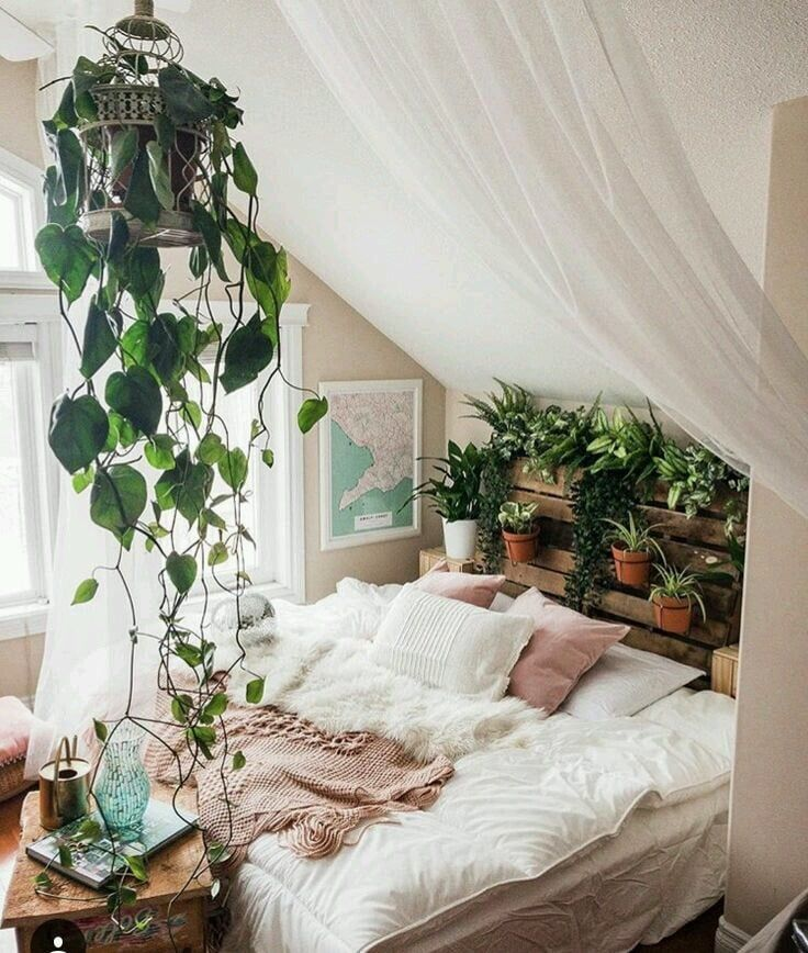 DIY palet headboard with plants (The Nordroom - Creative Headboard and Bedroom Styling Ideas)