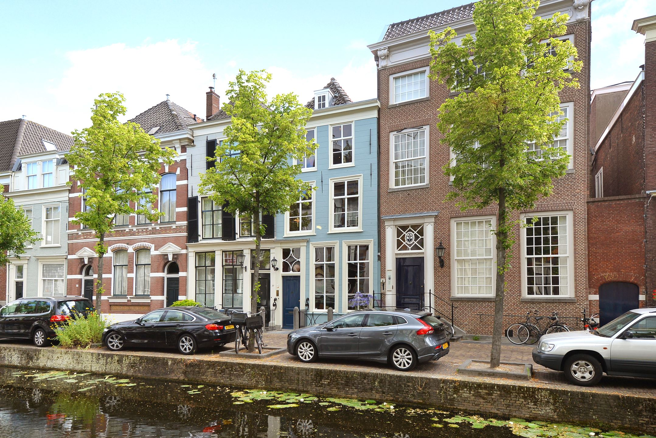 The Nordroom - A 17th-Century Canal Home in The Netherlands