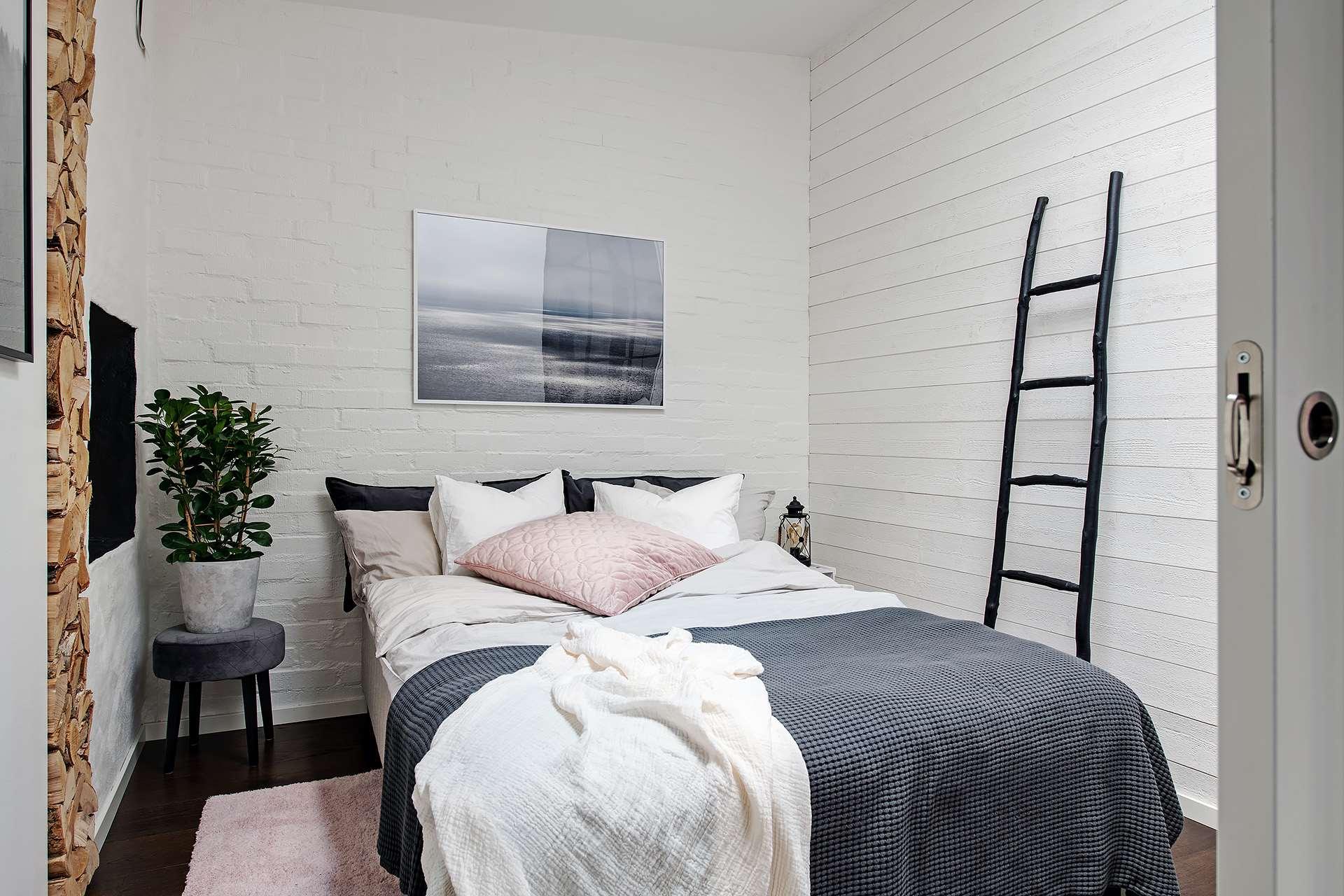 The Nordroom - A Cozy Scandinavian Attic Apartment