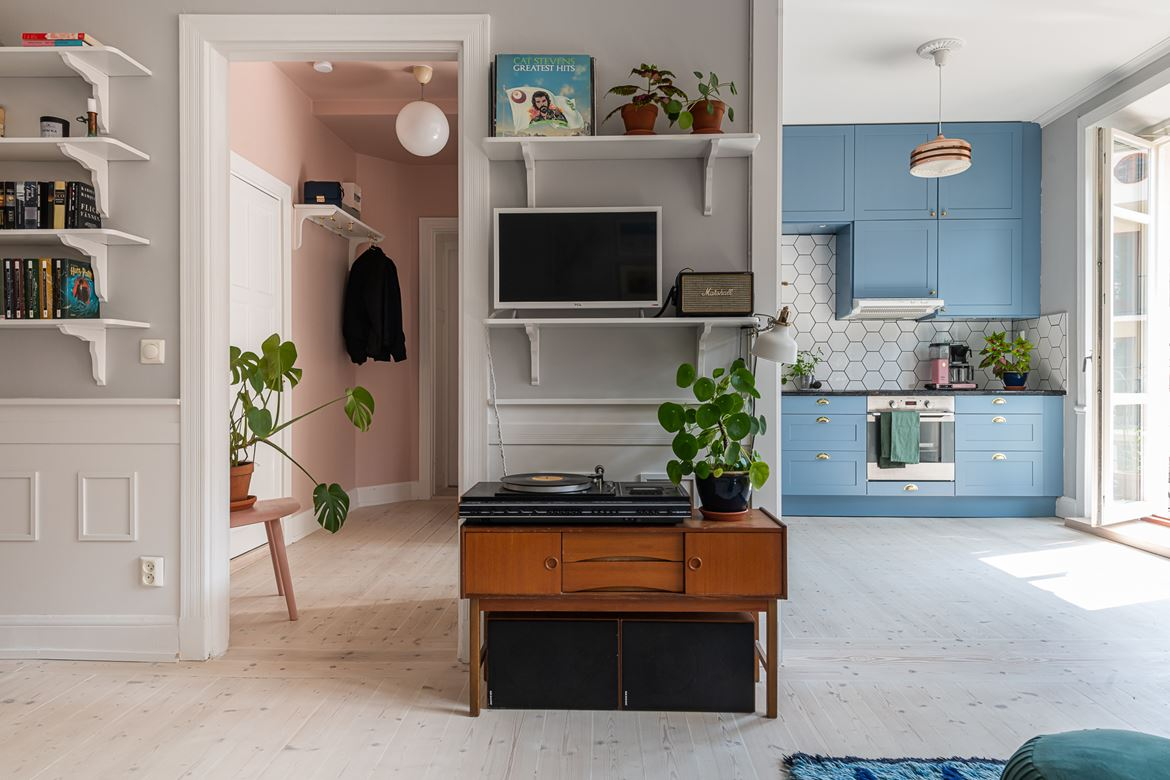 The Nordroom - Colorful Touches in a Scandinavian Apartment