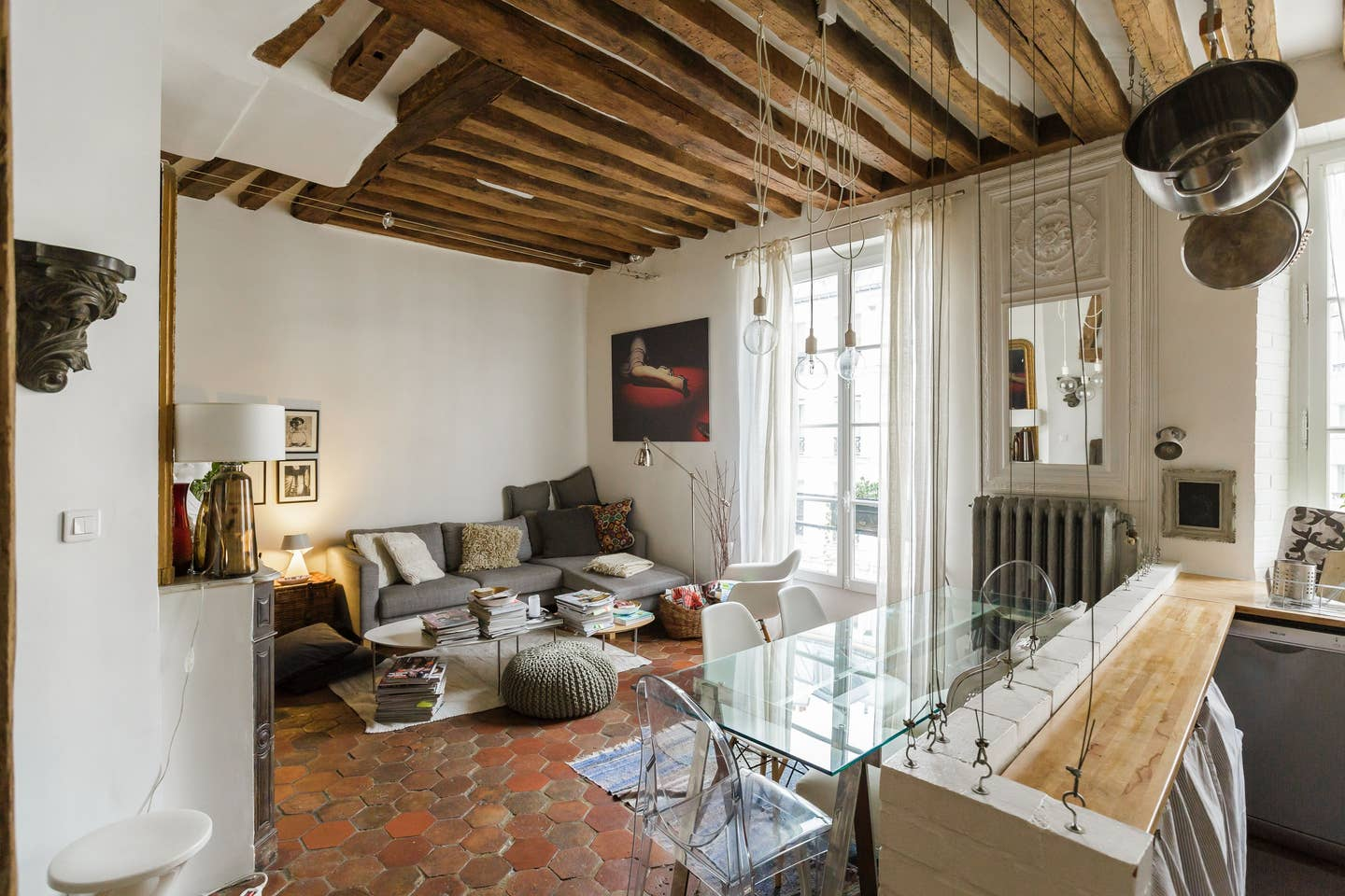 The Nordroom - A Cozy Apartment in an 18th-Century Building in Paris