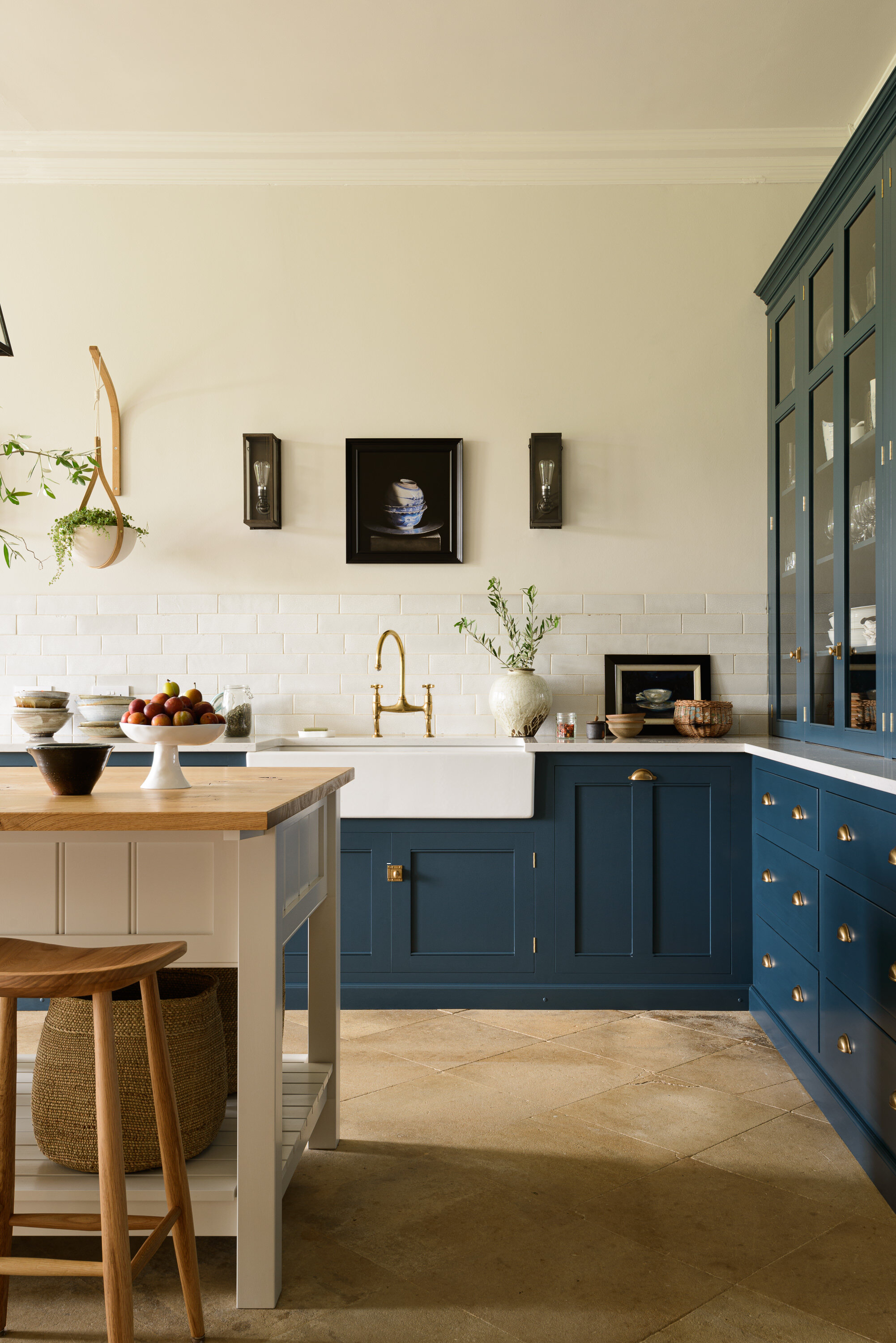 The Nordroom - A Lincolnshire Hall by deVOL