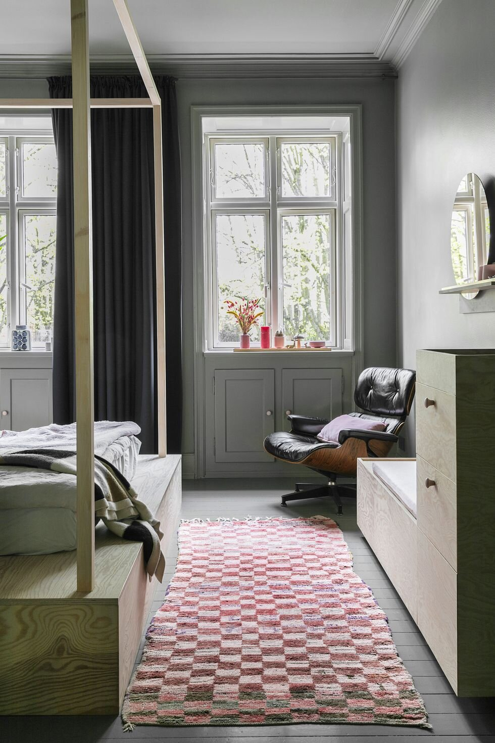 独特的粉红色和灰色斯堪的纳维亚家庭住宅-The Nordroom