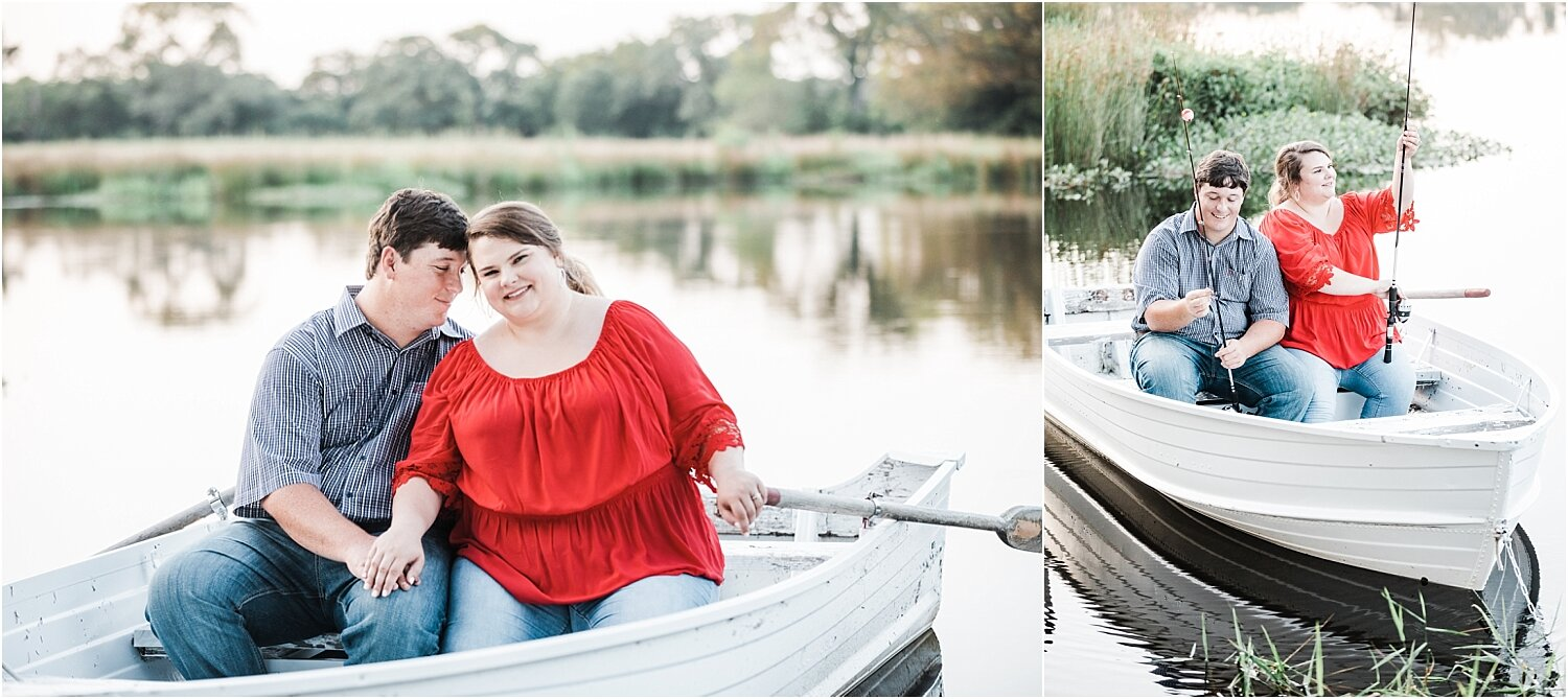 Adorable engagement photos in a boat like The Notebook