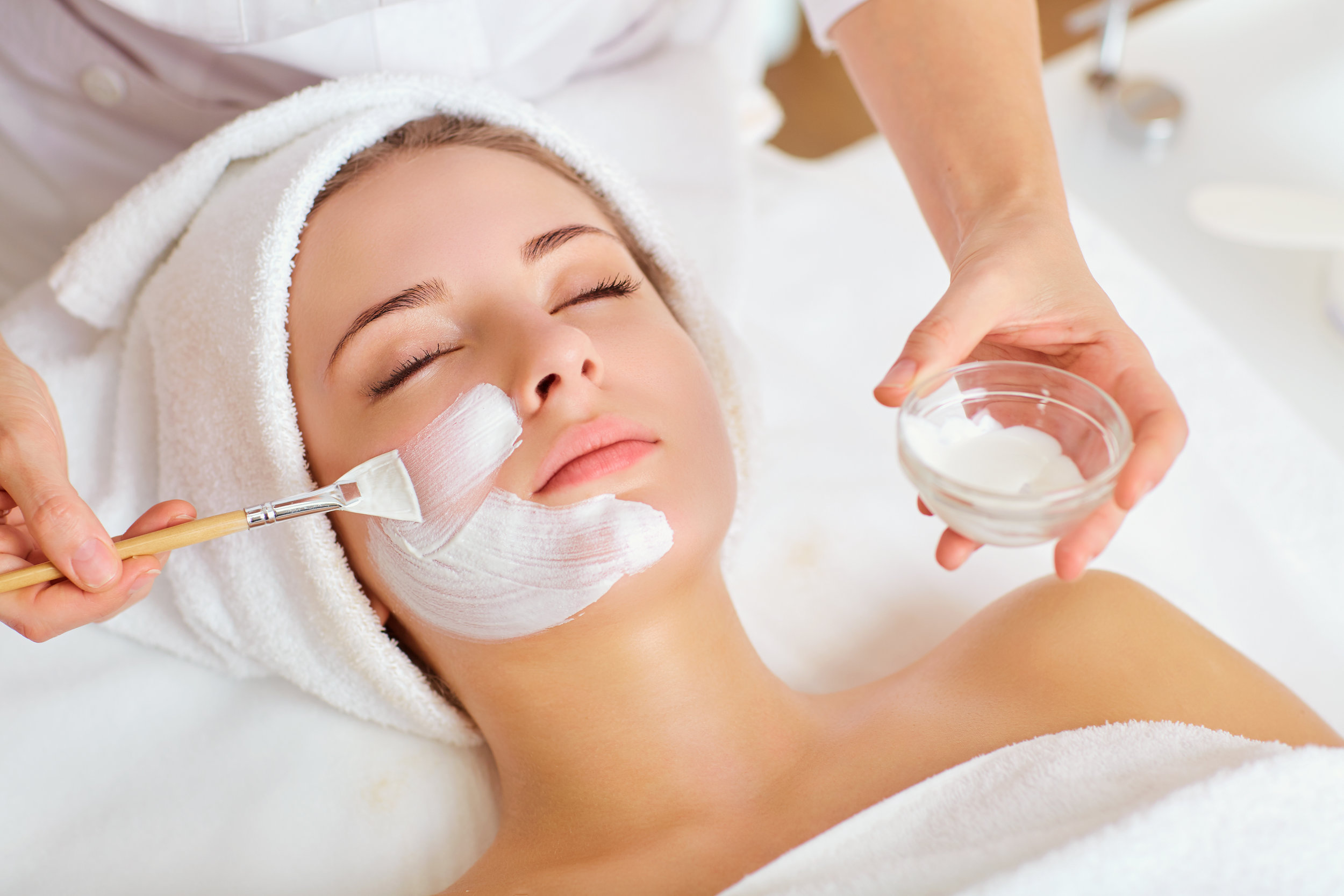 Age Correction Treatment Facials - Vitamin C Sea spa treatment (1.5 Hours)........$125.00Collagen 90 Treatment (2 Hours).....................$145.00Botinol Treatment (1.5 Hours).............................$145.00Hydradermie Lift Treatment (1.5 Hours)..........$150.00Collagen Eye and Lip Treatment (45 Min)......$45.00Microdermabrasion with facial (2 hours)………$155.00