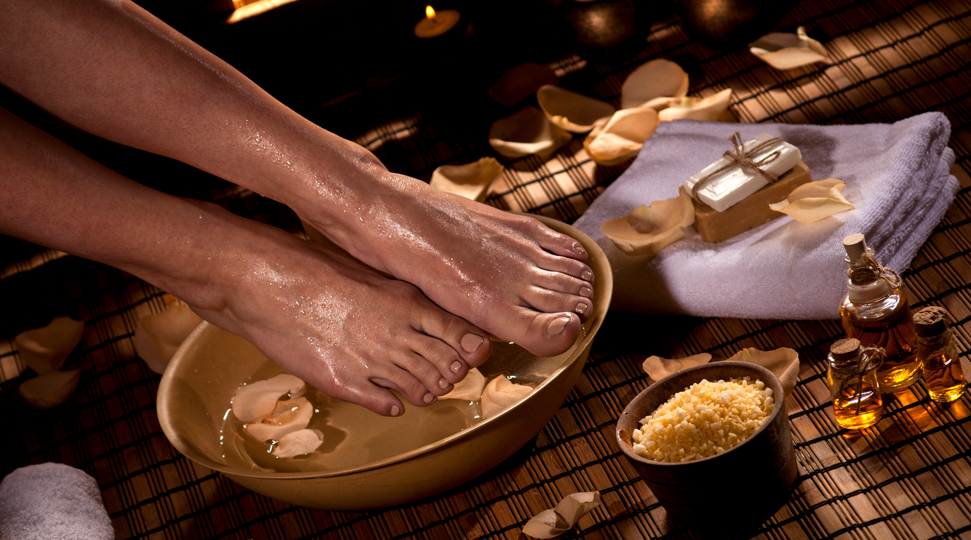 Feet And Toes Treatments - Men Feet Maintenance (1 hour)...……………....$45.00Pedicure with polish (1 hour)...……………..........$50.00Pedicure Polish Change (30 minutes)..........$25.00Mini Pedicure with polish (45 minutes)........$40.00Spa Pedicure Includes mask and paraffin (1.5 hours) ..............65
