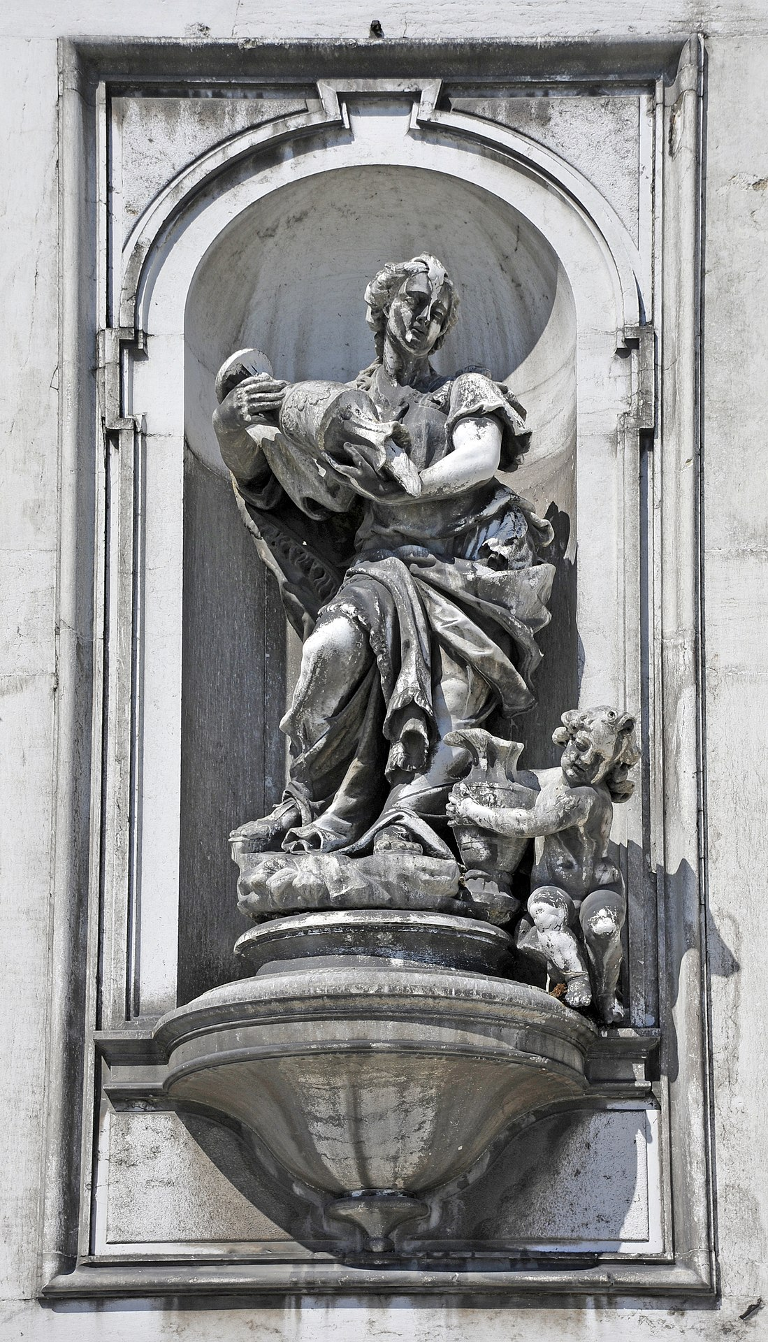 Temperance by Giuseppe Torreto, photo by Wolfgang Moroder (from Wikipedia)