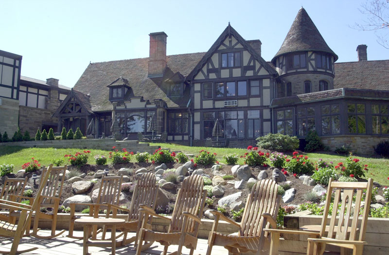 Package 9: Two-night stay at the lodge at Punderson Manor. Must be used by October 2019. Weekdays only. | Value: $360 | Minimum bid: $150
