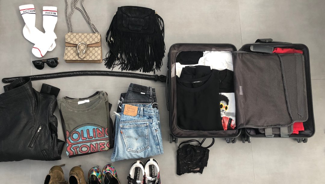 HELP ME PACK ! - Instead of agonizing packing your entire closet and paying extra baggage fees, opt for a packing consultation.