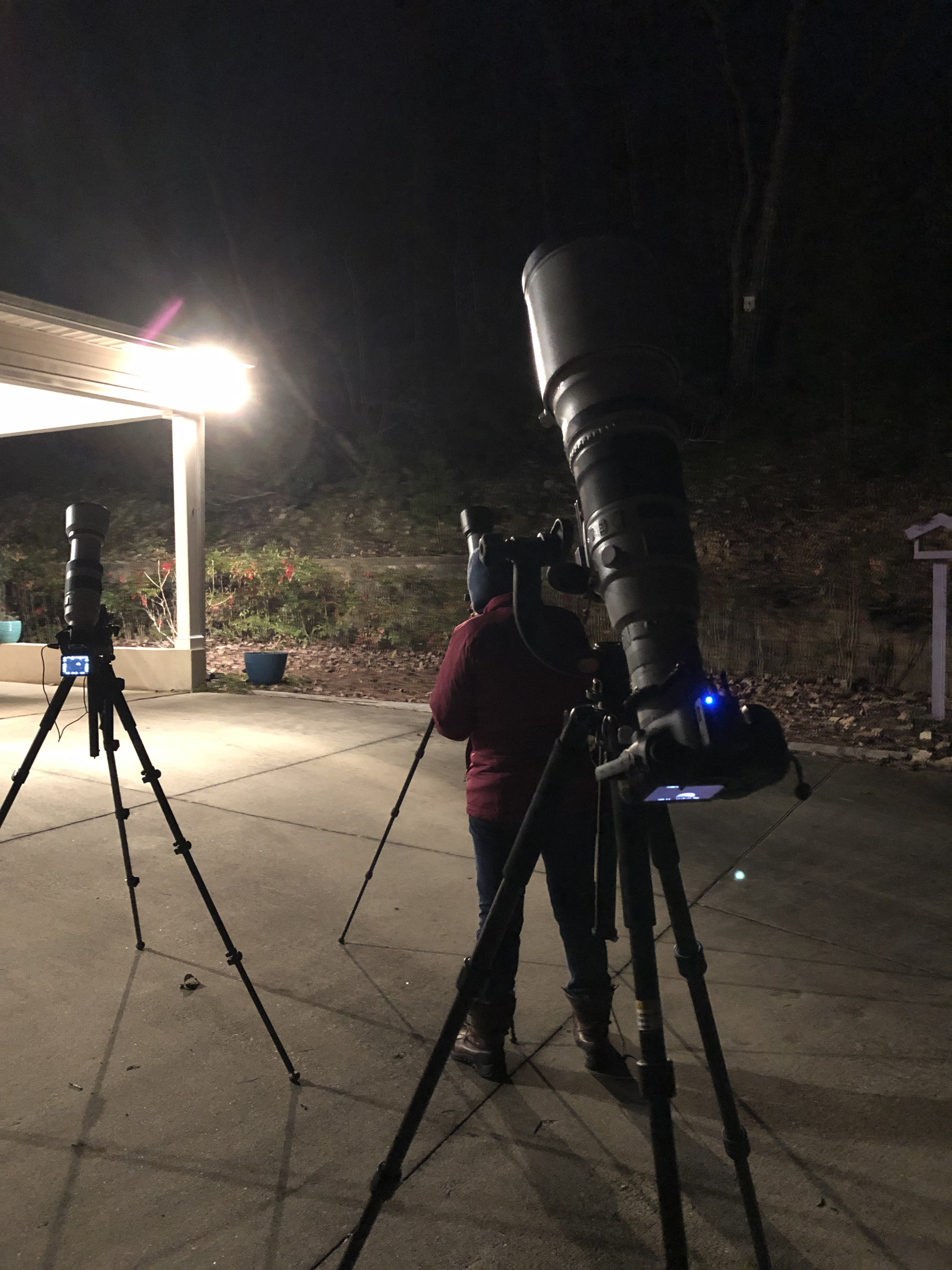 cameras pointing nearly vertical during the eclipse. That flippy screen on the Sony made things so much easier than trying to look at the Canon….too bad the tripod head that I used on the Sony wouldn't go much more vertical than what you see here.