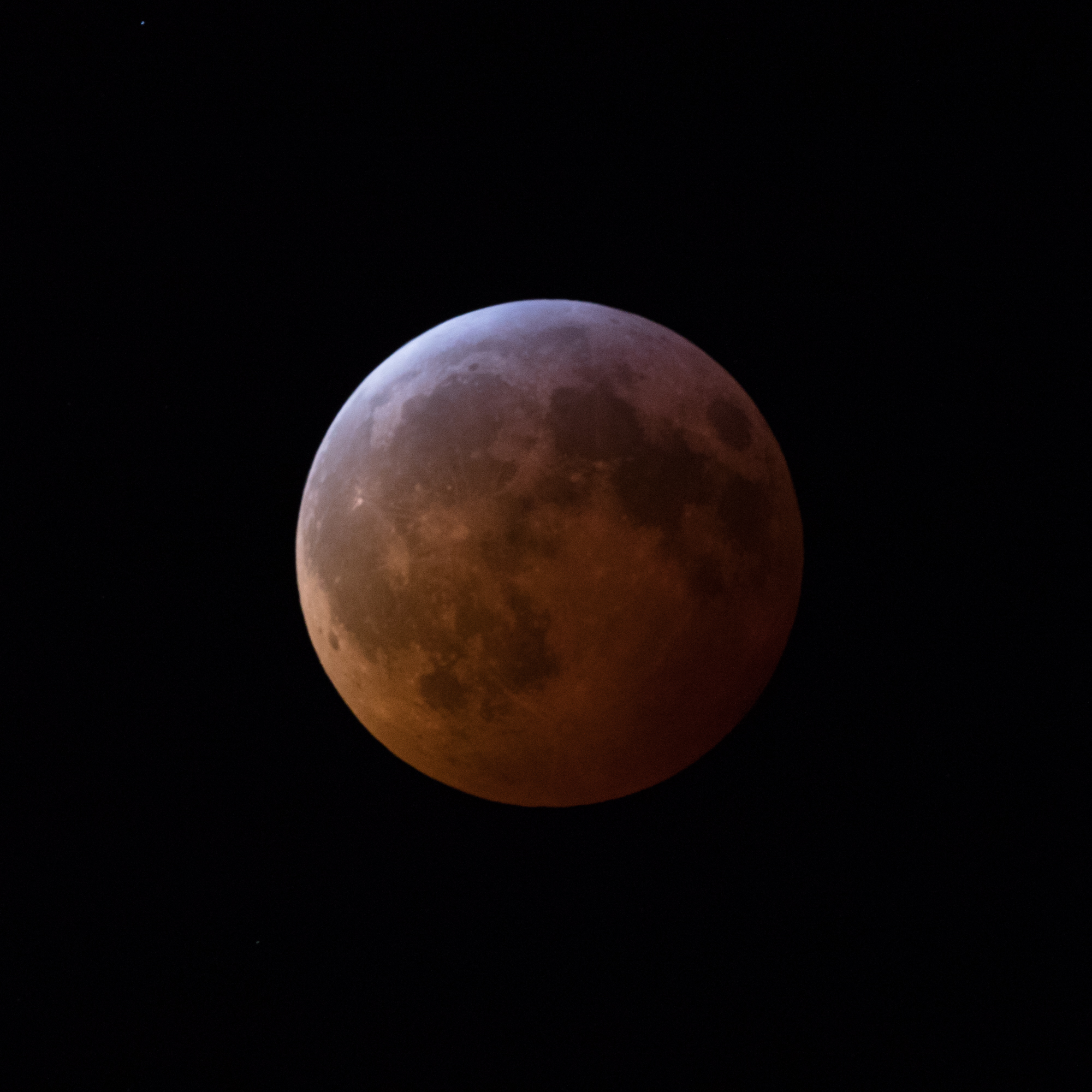 Full eclipse, subtle red colours and nice shadows….would have liked a bit more detail in the shot but this was as good as it got.
