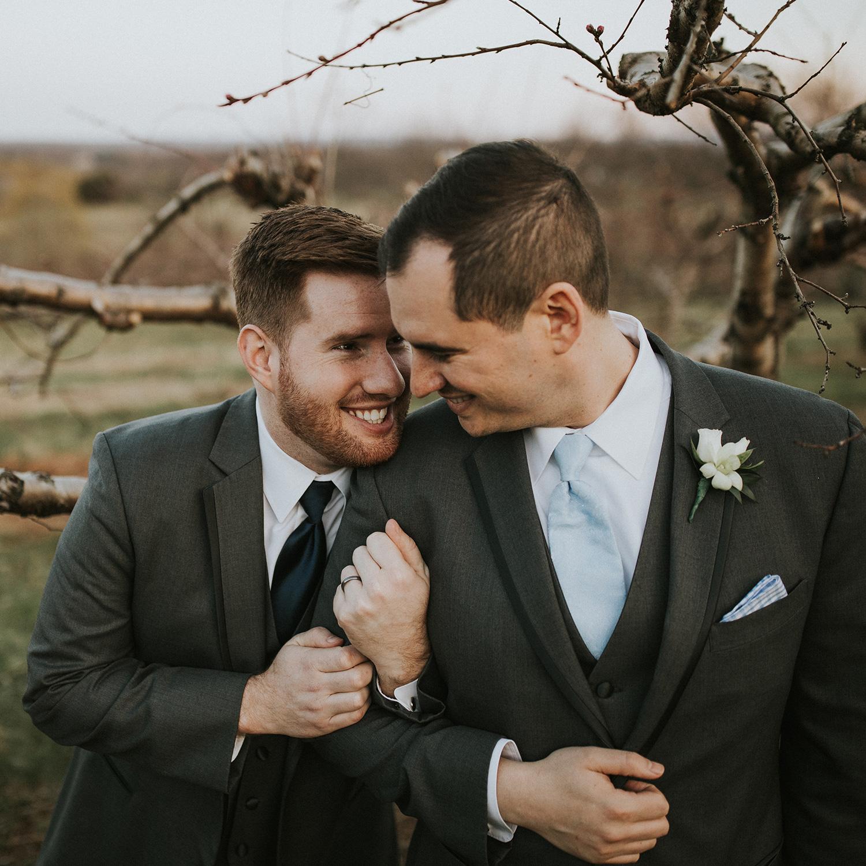 bluemont-vineyard-weddings-celebrate-you-love-testimonial-3-josh-nick.jpg
