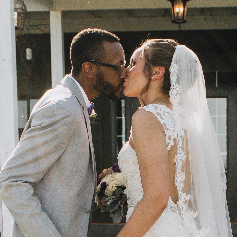 bluemont-vineyard-weddings-celebrate-you-love-testimonial-image-genny-d.jpg