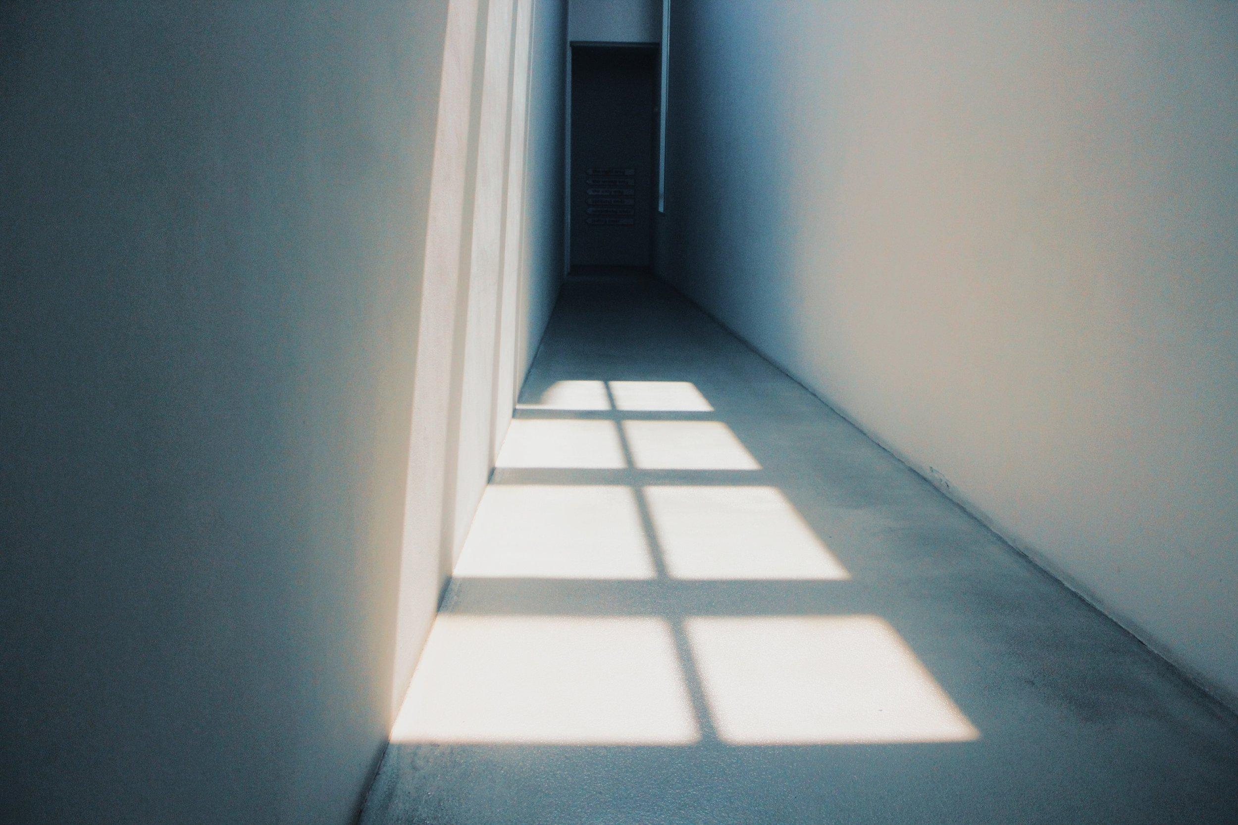 contemporary-door-empty-1320733.jpg
