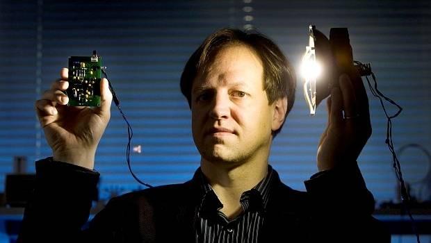 Harald Haas ! Source: https://www.stuff.co.nz/technology/digital-living/74430210/lifi-100-times-faster-than-wifi
