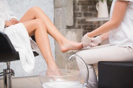 31895150_S_Feet_Pedicure_Massage.jpg