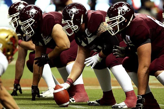 Football_Sport_Ball_Men_Field_Helmet_Players_Athlete_Team_1472253_S_.jpg