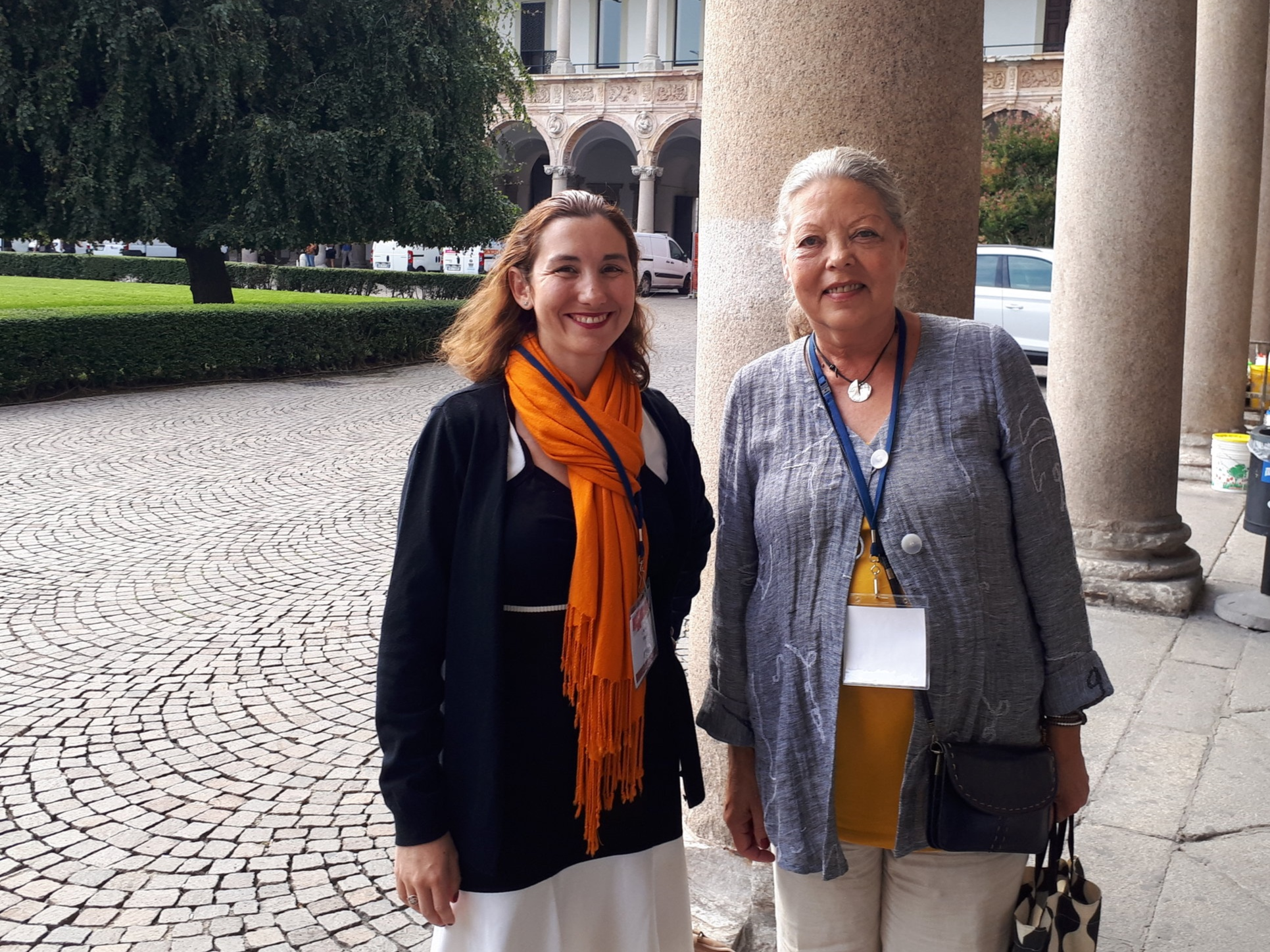 Jag tillsammans med Jessica Maetz från Frankrike som höll föredrag om att leva som äldre med CF.