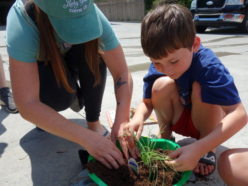 Little Green Thumbs - Register your children ages 6-12 in Little Green Thumbs for a hands-on, in-depth learning experience to introduce them to the world of gardening, held in the Linnaeus Teaching Garden during June and July.