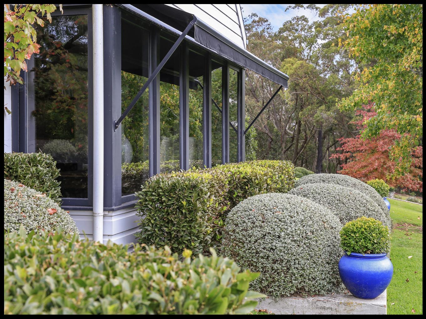 HOME PAGE_Gallery_Exterior Gardens_White Sheds.jpg