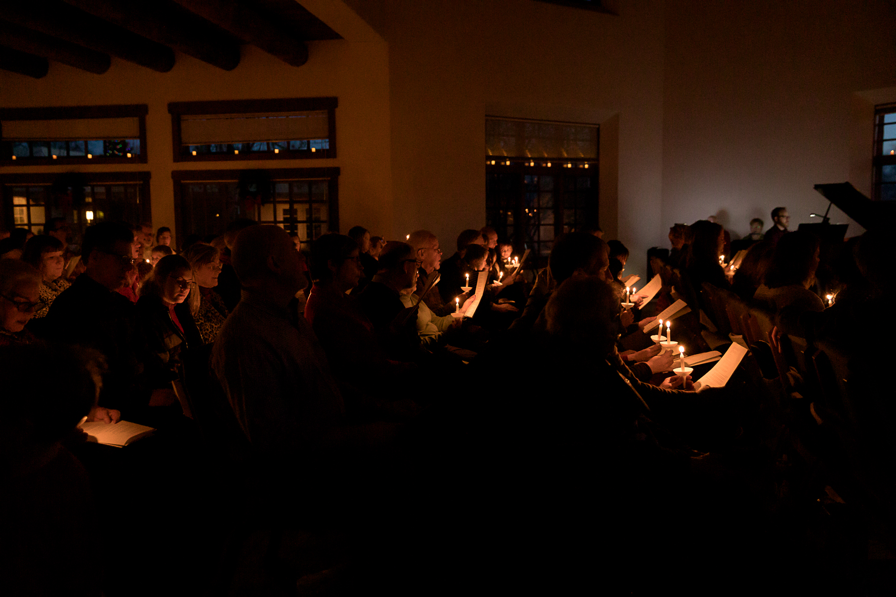 candlelight near.jpg