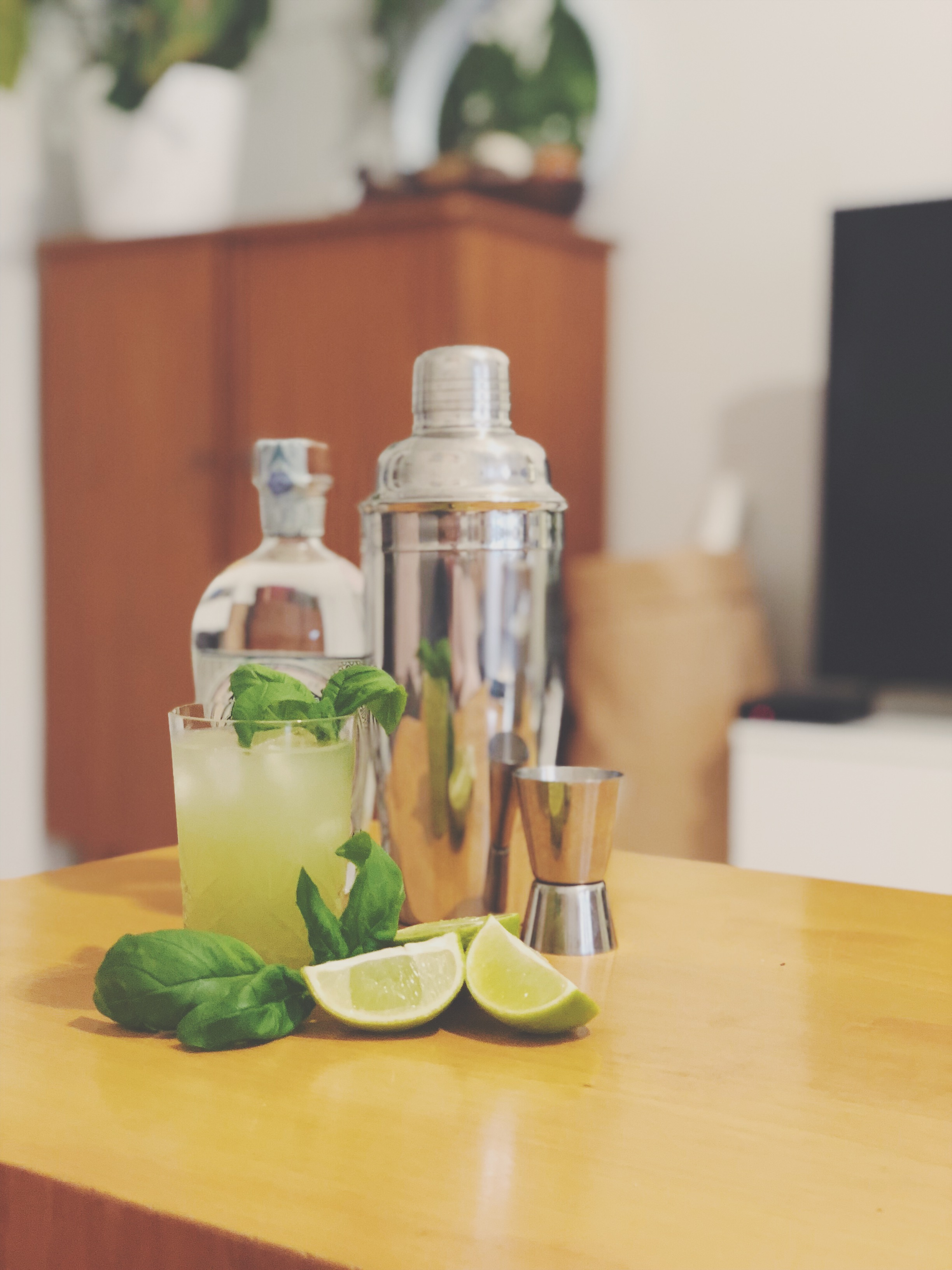 gin basil smash resepti