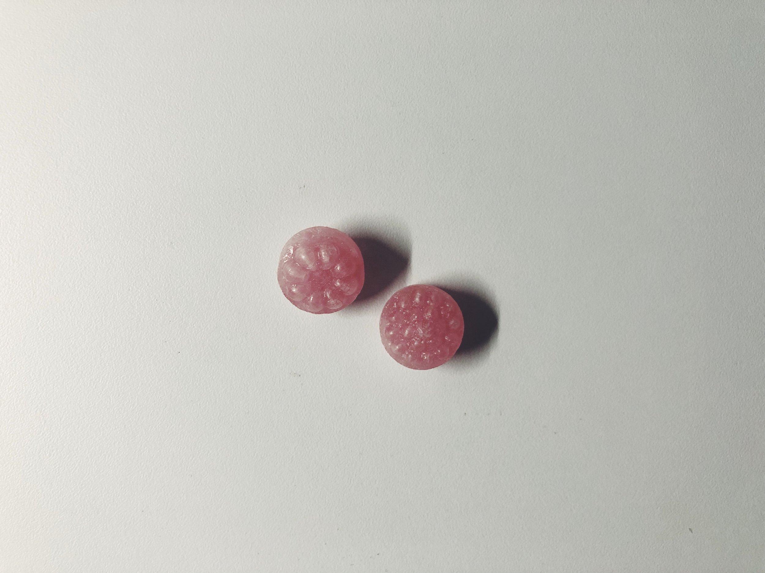 monpensiers fruit drops vadelma