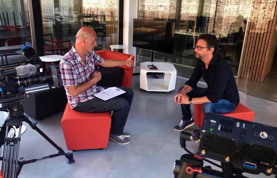 SOCIAL INTERVIEWS - Eén van de meest boeiende marketingvideo's. Een boost voor je expertstatus van web tot social.