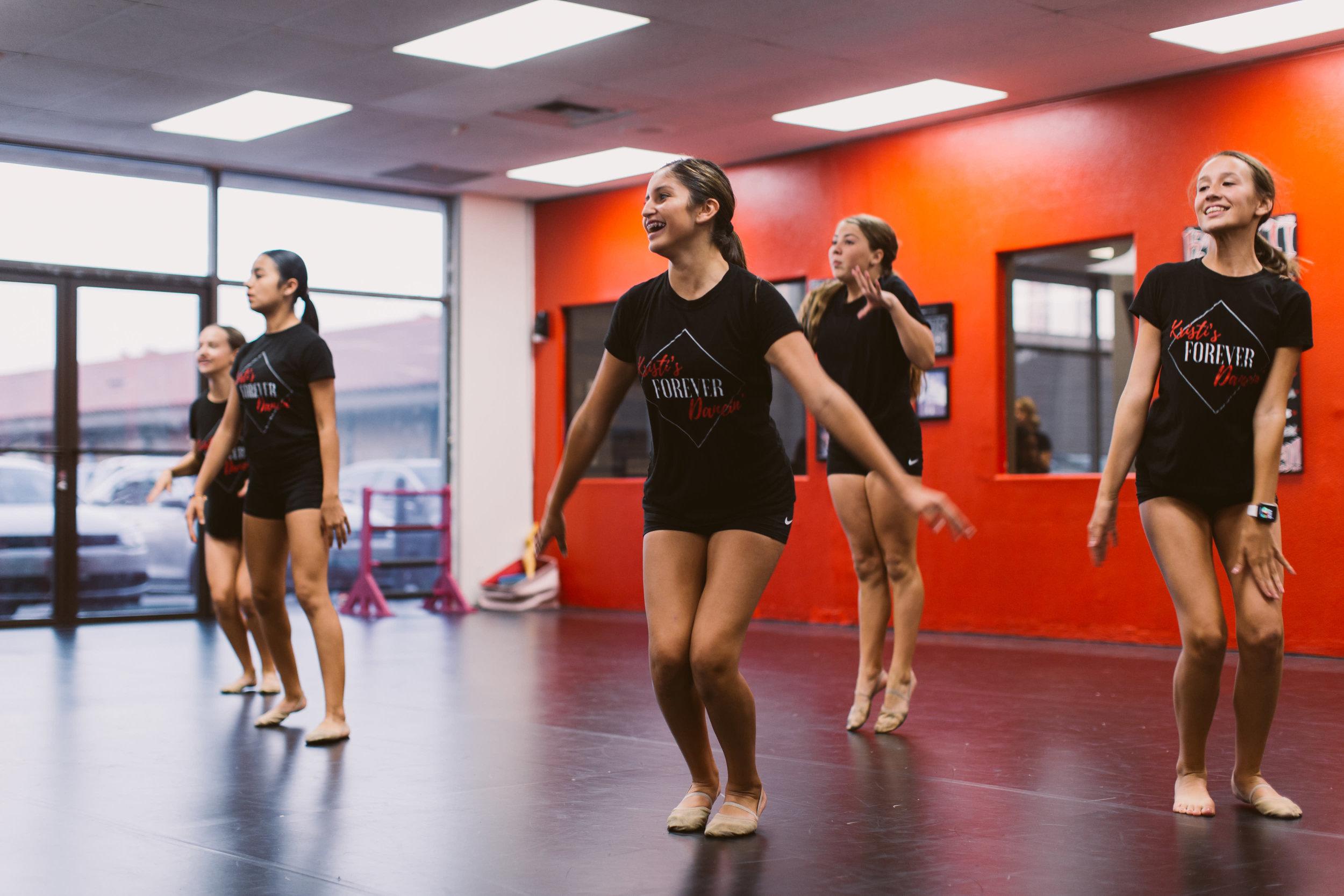 Kristis_Forever_Dance_Students_2018_13.jpg