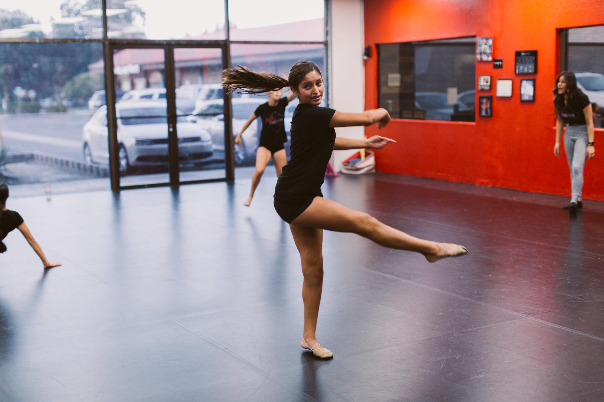 Kristis_Forever_Dance_Students_2018_18.jpg