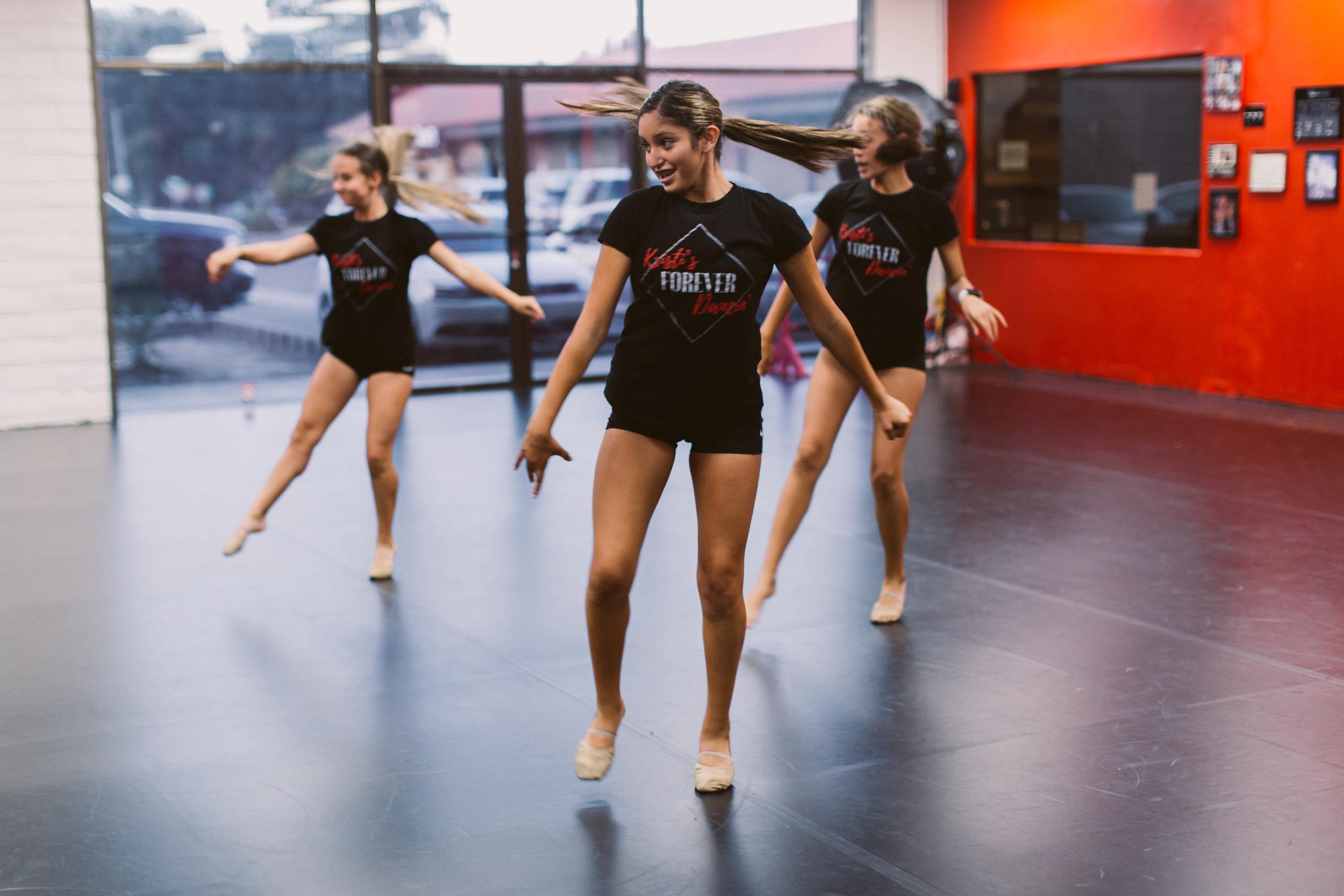 Kristis_Forever_Dance_Students_2018_25.jpg