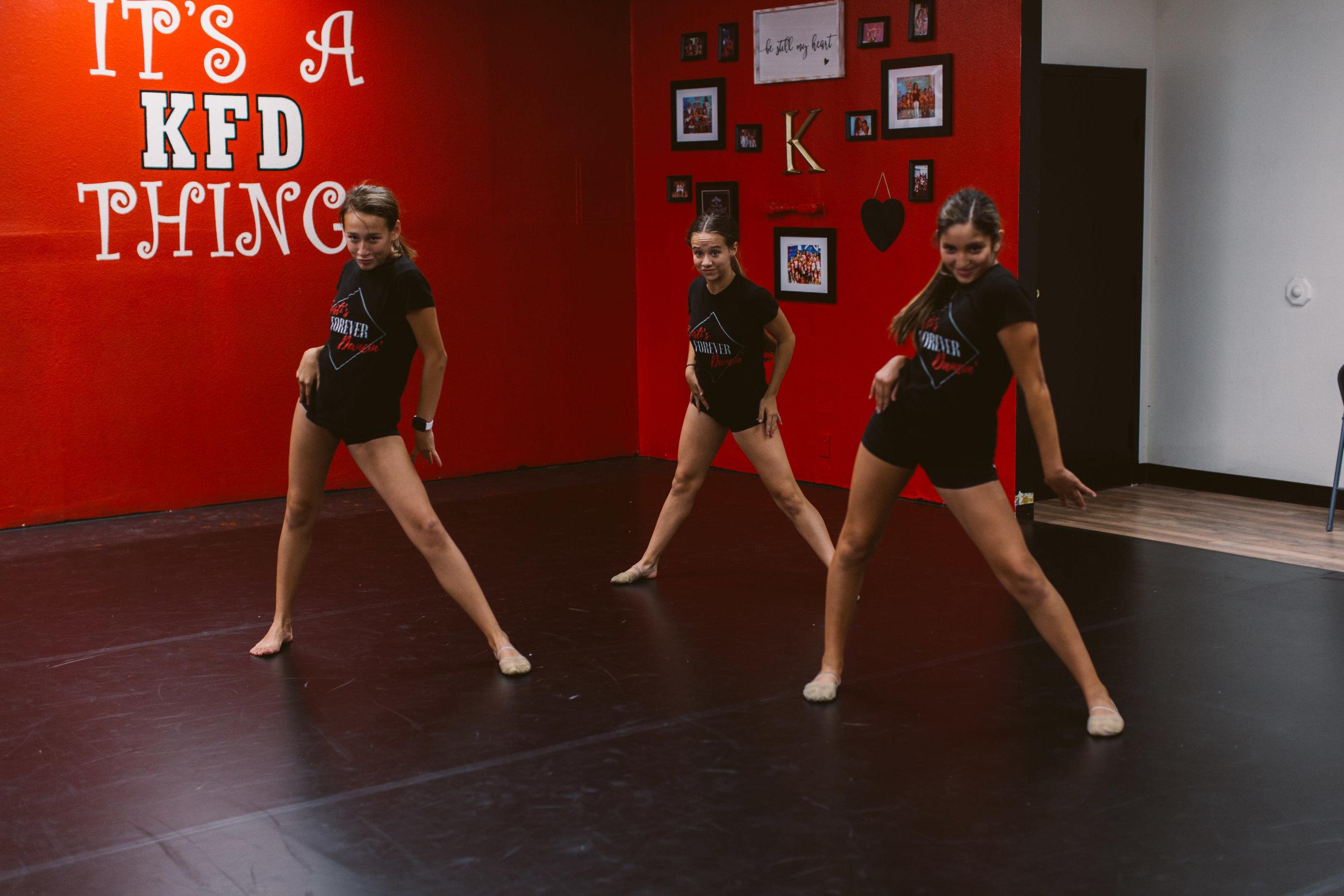 Kristis_Forever_Dance_Students_2018_28.jpg