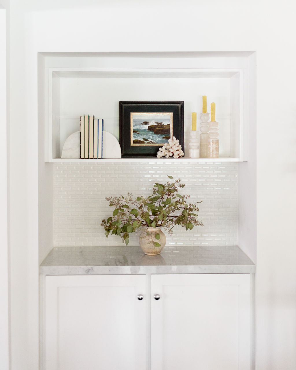 los angeles interior designer casual comfortable shelfscaping