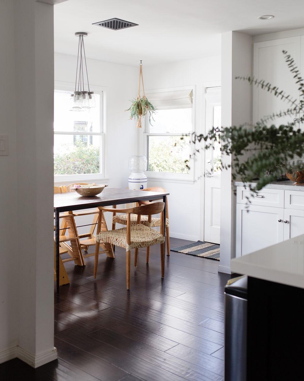 los angeles interior designer casual comfortable breakfast room