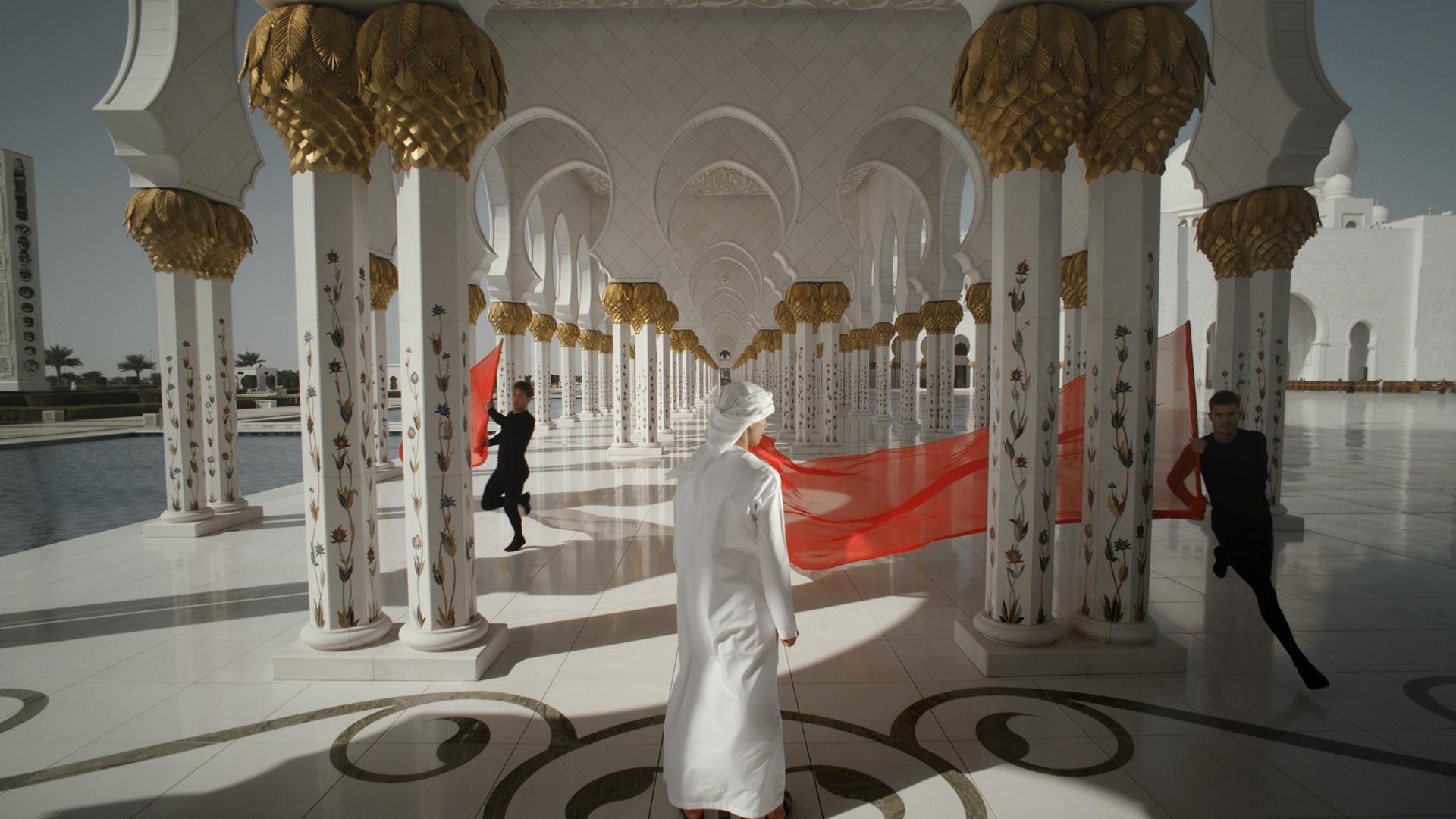 Abu Dhabi TOURISM AUTHORITY    QASR AL HOSN