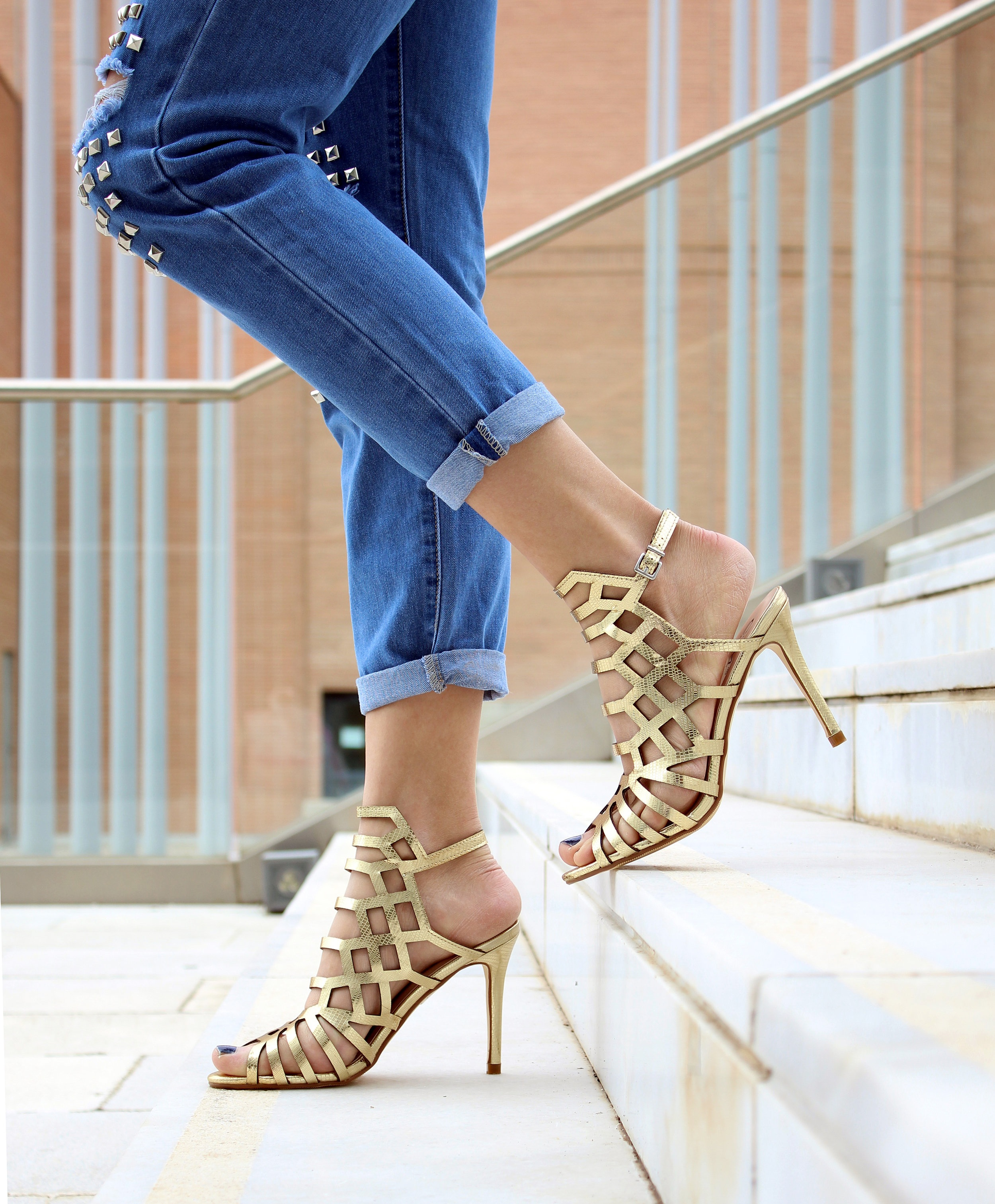 Yes, they look fabulous, but your feet won't forgive you afterwards. Unless, of course you are flying on your private jet and don't have to walk any distance.