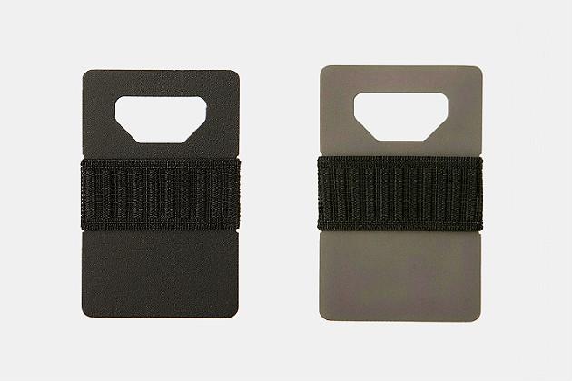 spine-wallet-titanium-1.jpg