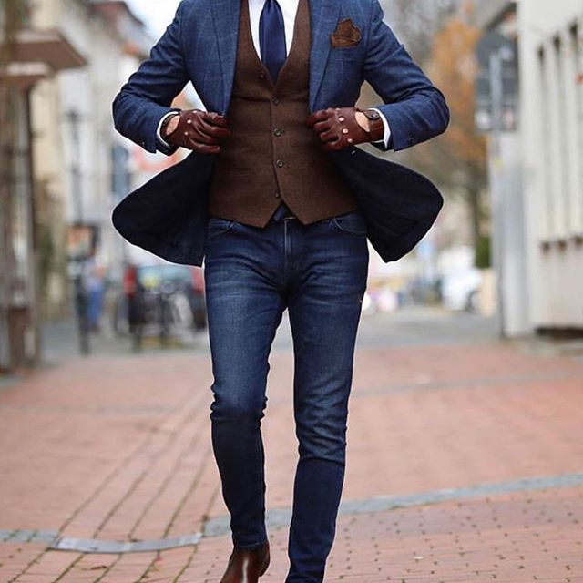 Have you ever had clothing made for you? What was your experience like?  #realmenwearsuits #dapper #dandy #gentleman #gent #suit #suits #blazer