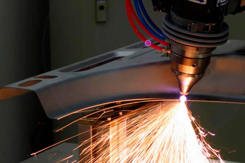 maquinados - Podemos fabricar desde piezas maquinadas muy sencillas, hasta verdaderas complejidades.