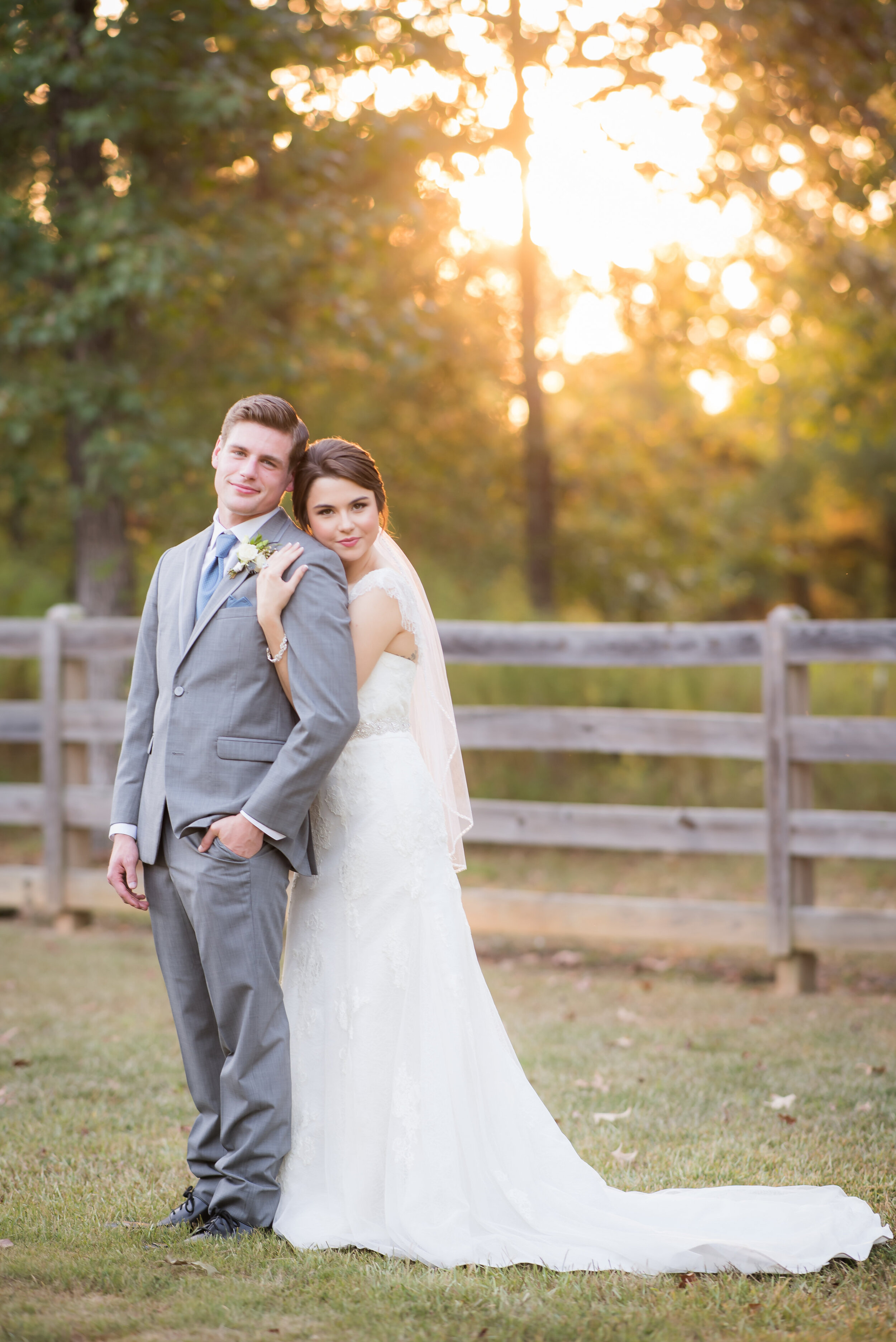 PHOTOGRAPHER: Adrea Thomas Photography -- www.adreathomas.com -- IG: adreathomasphoto  EVENT DESIGN & FLOWERS: Your Best Guest -- Hannah Guest -- www.yourbestguest.com -- IG & FB: @yourbestguest  MODELS: Julia —IG: julesblairr & Logan — IG: lmostby