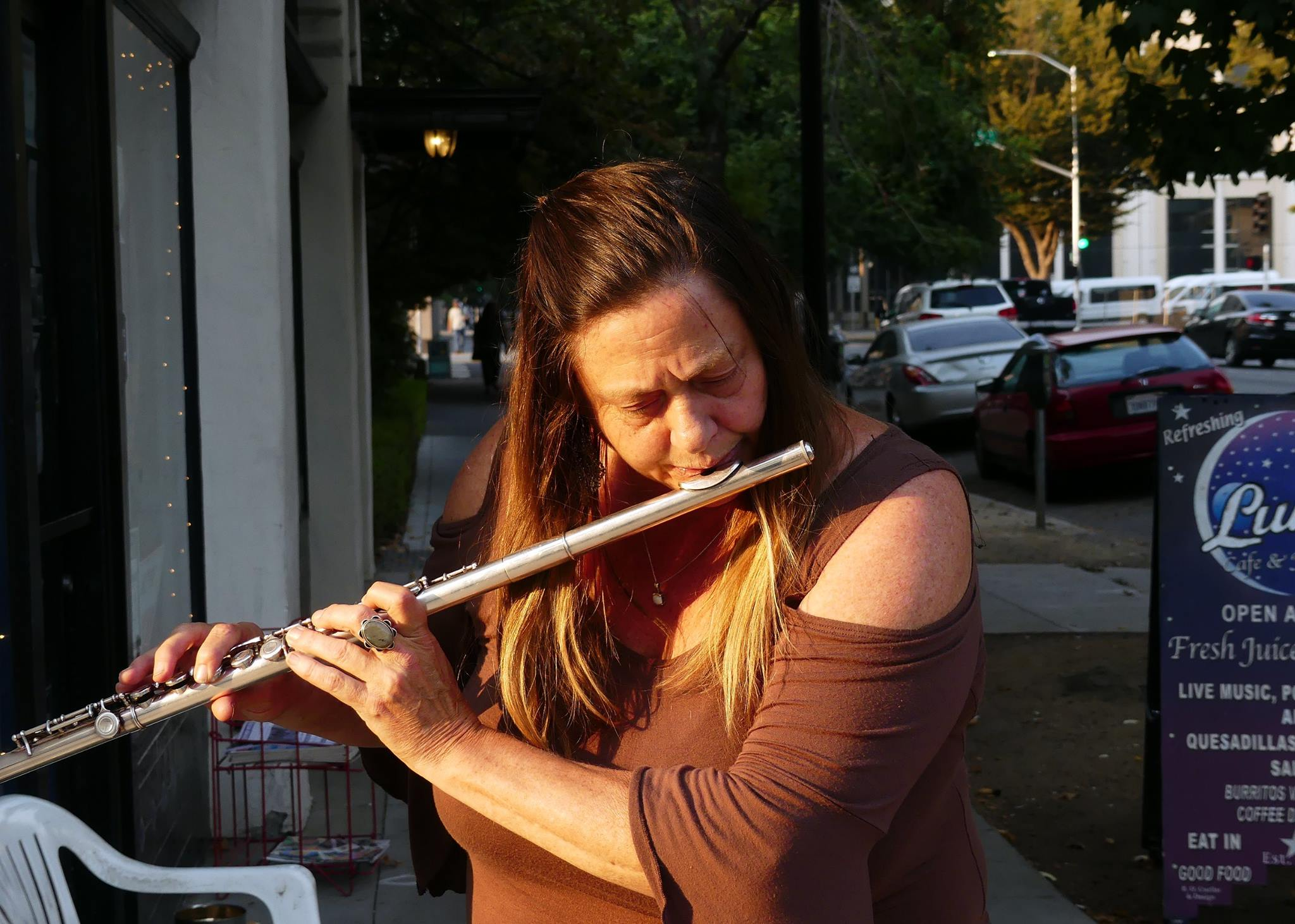 9:35 am: Multi-disciplinary artist and Musician Michelle Hardy performs on the Flute