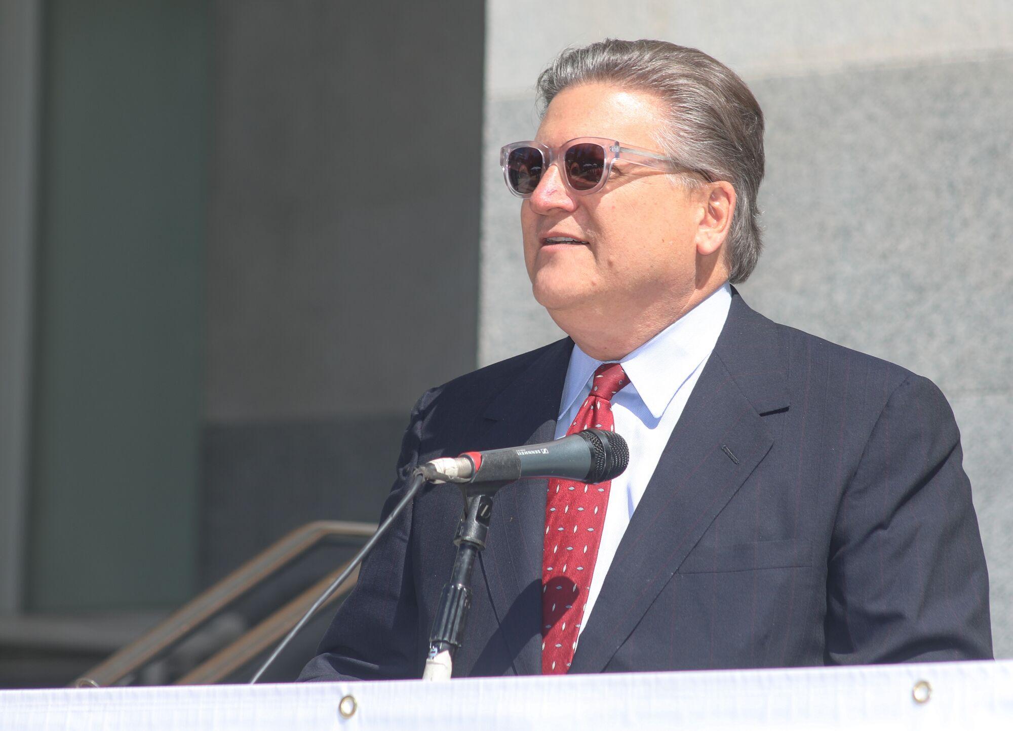 Senator Robert Hertzberg