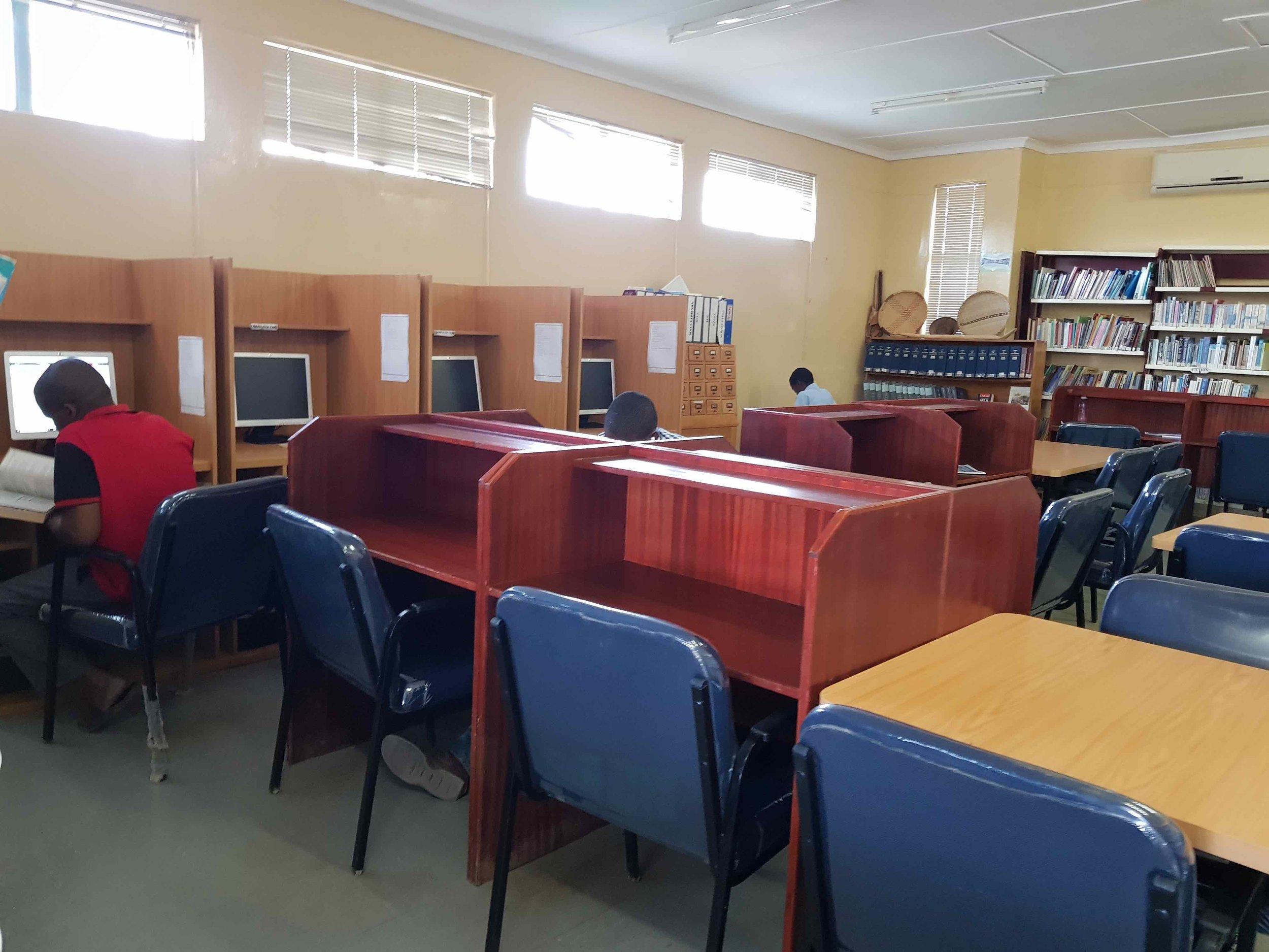 Library_letlhakeng.jpg